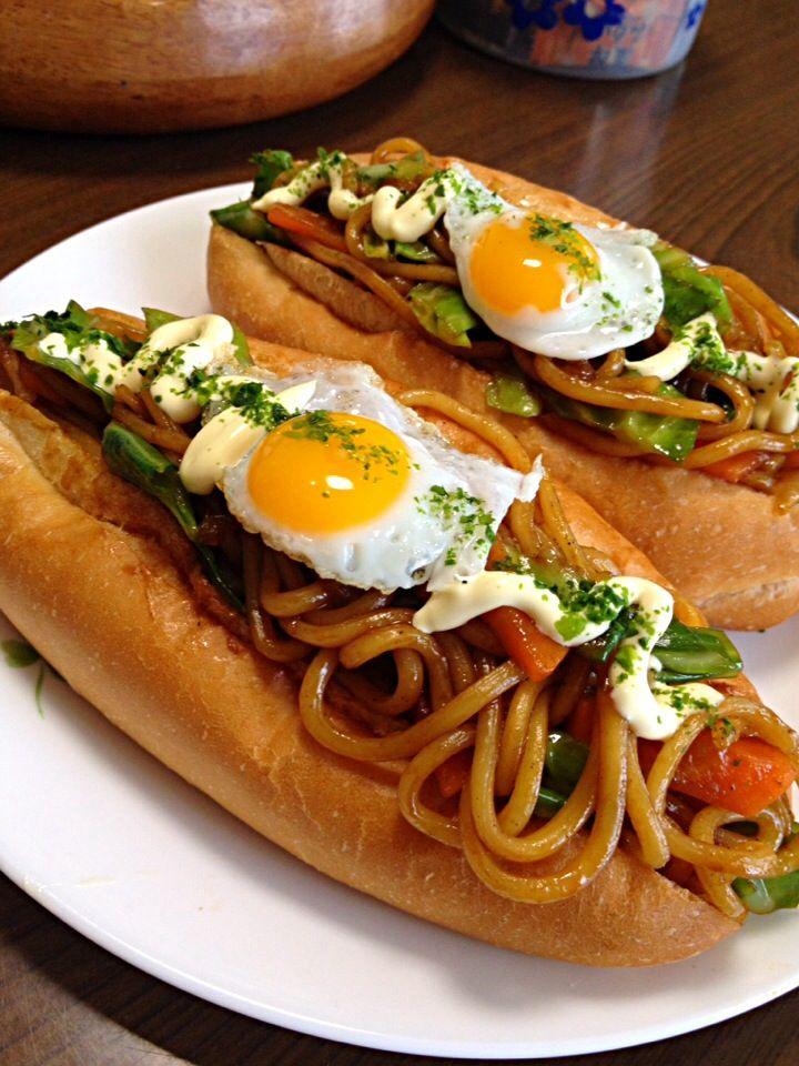 #Yakisoba short bread / 焼きそばパンです。忙しい朝に時短・簡単でウマウマ♪を☆10分を目指してwww by ゆんゆんゅん