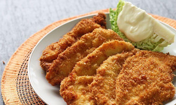 Panko-crumbed chicken schnitzel - Kidspot