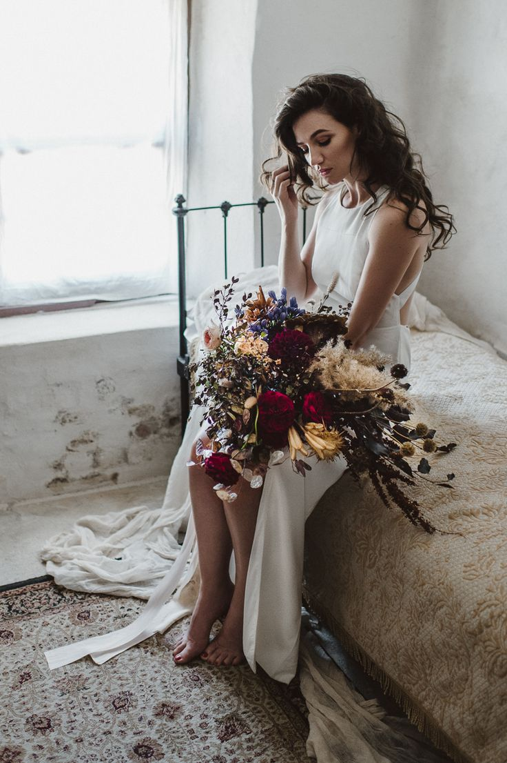 Lauren Campbell Photography / Winter Wedding / Canberra Bridal Photographer / Wedding Style Inspiration / The LANE
