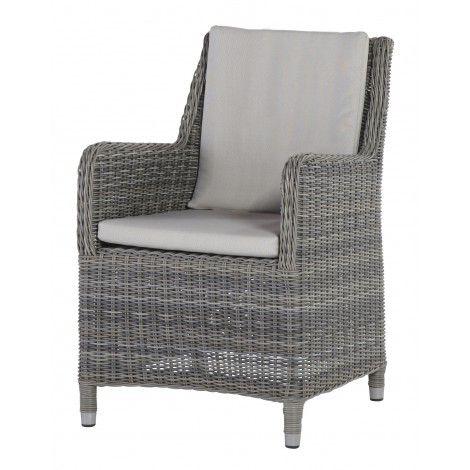 De Indigo Cosy #stoel van #4 #Seasons is een mooie #wicker dining stoel. De stoel beschikt over een #zitkussen en #rugkussen.