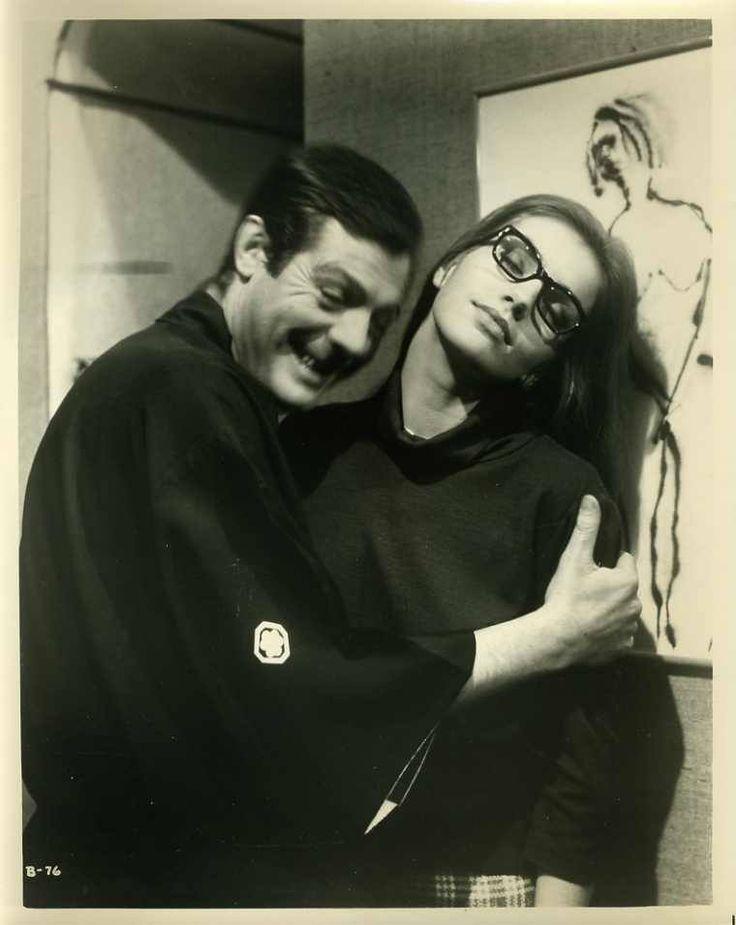 Marcello Mastroianni & Catherine Spaak L'uomo dai cinque palloni Marco Ferreri 1965