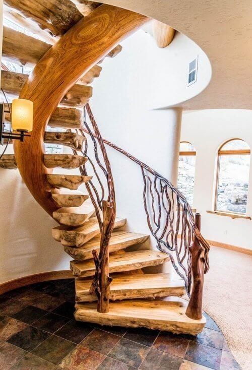 изогнутая лестница