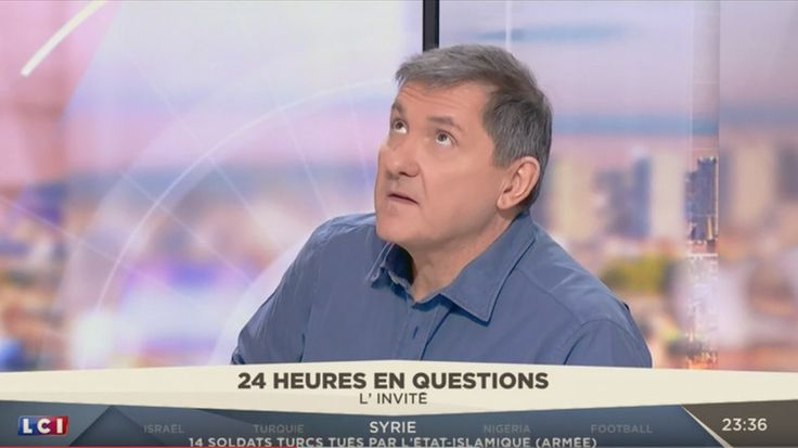 Yves Calvi, présentateur de l'émission «24 heures en questions» sur LCI, le 21 décembre 2016, capture d'écran YouTube, DR