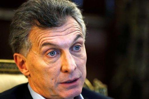 La verdad oculta: Macri busca congelar en Argentina aumentos salaria...