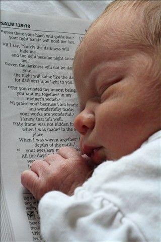 Salmo 139:13-14 Porque tú formaste mis entrañas; Tú me hiciste en el vientre de mi madre. Te alabaré; porque formidables, maravillosas son tus obras; Estoy maravillado, Y mi alma lo sabe muy bien.♔