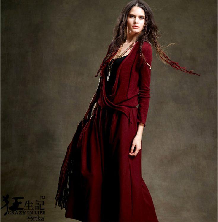 Artka винтажное платье   Artka винтажное длинное вязаное платье с вырезом. Ткань: 44,1% шерсть, 38,4% полиэфирное волокно, 7,4% акрил, 5,4% нейлон, 4,7% другие волокна. Сезон: осень 2016. Цена: 4400 руб. Заказы на сайте: bohomagic.ru, доставка от 2 недель. #бохо #boho #bohochic #бохошик #бохоодежда #девушка #женщина #мода #fashion  #artka #артка #интернетмагазин #одежда #шопинг #женскаяодежда #стиль #bohomagic #магиябохо #платье #dress #вязанноеплатье #бохоплатье  #bohemia #богемный #винтаж…