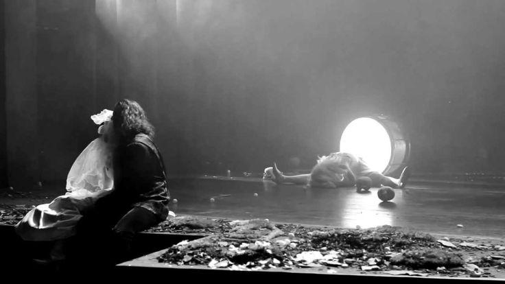 """THE BLACK RIDER (Trailer) - Schauspiel Essen William S. Burroughs Tom Waits und Robert Wilson   Filmproduktion Siegersbusch Wuppertal 2011 """"Es muss ein Jäger sein so will's der Brauch!"""" Was die Wahl seines zukünftigen Schwiegersohnes angeht kennt Förster Bertram kein Wenn und kein Aber da mag sich seine Tochter Käthchen sträuben wie sie will. Und auch die Einwände von Förstersgattin Anne verhallen ungehört. Der junge Jägersbursche Robert scheint genau der richtige Kandidat zu sein kennt er…"""