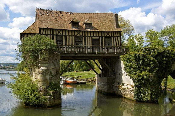 The Old Mill, Vernon, France - from the page: 7 Amazing Inhabited Bridges