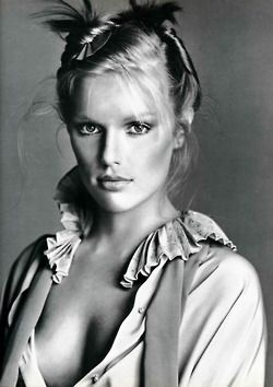 Patti Hansen, 1977  Photographer: Richard Avedon #photography #black and white #classic