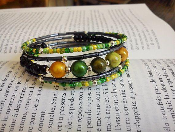 Bracelet mémoire perles dégradés de vert par LeManegeSurLaColline