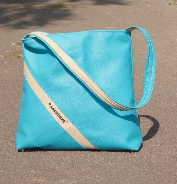 AUGUSTLUST  Mit dieser Tasche mache ich das erstmal bei der Dawanda Farbaktion mit...schauen wir mal ob ich aufgenommen werde :)