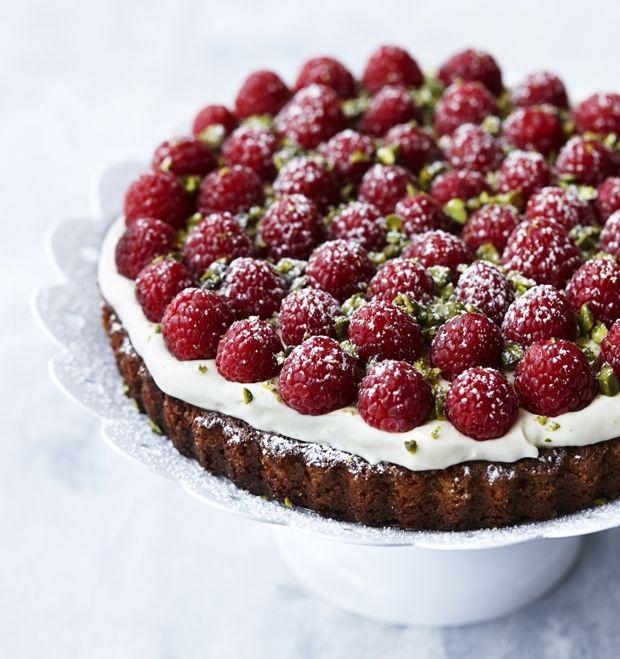 Mazarin med hindbær og hvid chokoladecreme