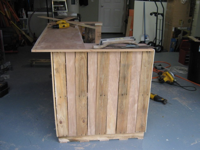 Pallet tiki bar project a collection of diy and crafts for How to make a tiki bar with pallets