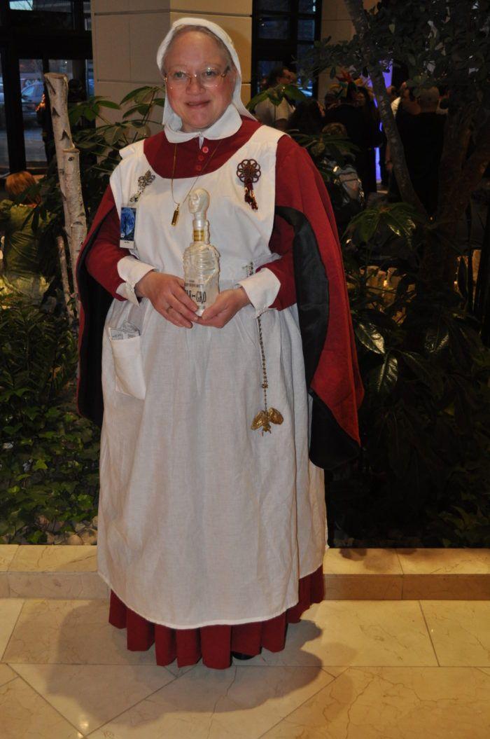 Harry Potter Madame Poppy Pomfrey Threads Harry Potter Costume Harry Potter Cosplay Harry Potter Day
