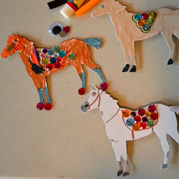 Maximus Magnet craft!  I glued magnets on the back of white horse cutouts.  The kids could color and glue gems on them.