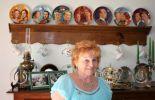 Huguette Huart devant son mur. Une fan de la famille royale espagnole