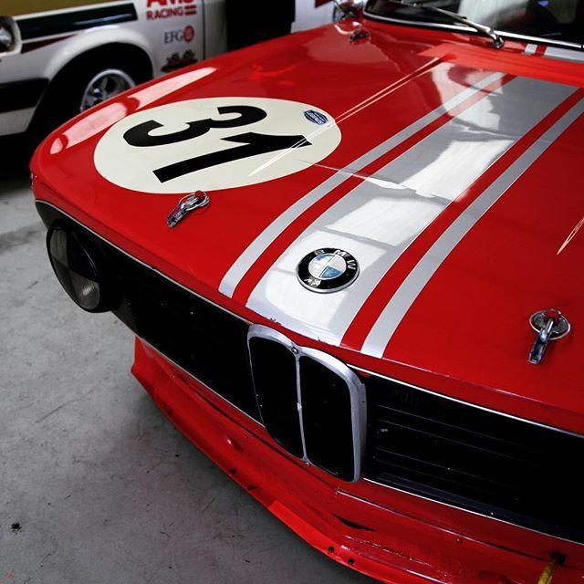NUMB 31 Nose diving BMW 2002 👌🏼 #bmw2002 #bimmer #2002tii #vintagebmw #bmwsofinstagram #sport #luxurycar #styleguy #drivetastefully #cardesign #classiccardaily #winner #patina #caferacer #hillclimb #petrolicious #curves #details #muscle #formula1 #bespoke #gentleman #gent #suit #tailored #germancar #vintage #oldtimer #2002bmw #goodwoodrevival