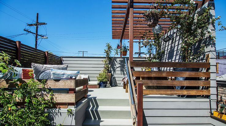 Alex Brunkhorst's 8 best bungalows in the US // Venice Beach #realestate900 Squares, Beach Realestate, Venice Beach, Silicone Beach, Gardens, Alex Brunkhorst, Loft Spaces, California Price, Outdoor Spaces