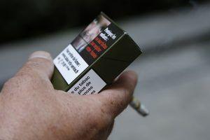 Paquet neutre : «j'ai un gros doute ... Et c'est compliqué de joindre Tabac Info Service» - http://www.nous-sommes-13-millions.com/2016/10/paquet-neutre-jai-un-gros-doute-et-cest-complique-de-joindre-tabac-info-service/