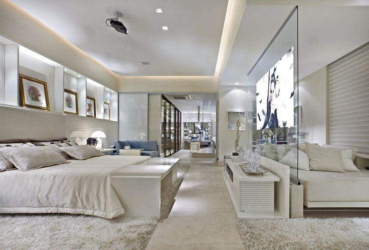 Suíte integrada ao closet decorada de azul e branca linda! Confira todos os detalhes!