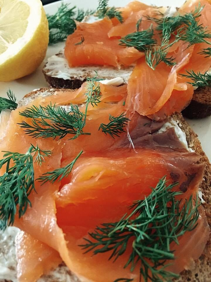 Have you woken up after a crazy night out? Do you have smoked salmon, cream cheese and a ciabbata load or someone to go to the market (thank you Alkis) ?