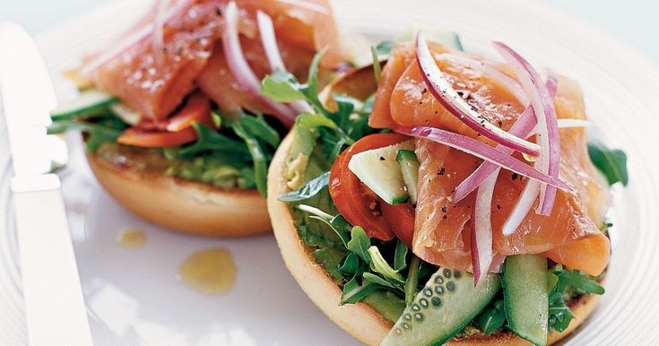 You'll love the fresh flavours of this smoked salmon salad bagel.