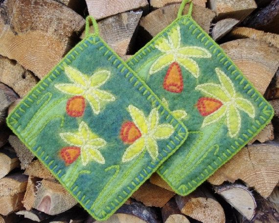 Pot holders hot pads felted hot pads wool hot by tertsdesign