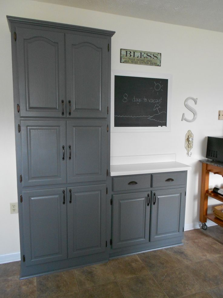 Benjamin Moore Quot Amherst Gray Quot Cabinets Bobbye Lake House