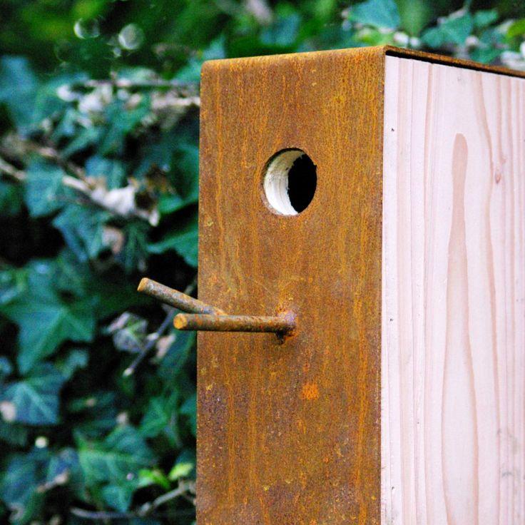 Roestkleurig vogelhuisje van GroenGetint #vogels #vogelhuisje #rubiginous #bird #house #feeding #winter