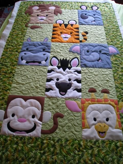 So cute!!  Ann VW's Jungle Quilt at pennybubar's: Animal Baby, Kids Quilts Patterns, Animal Faces, Jungles Quilts, Baby Quilts, Kids Quilts Ideas, Baby Animal, Animales Quilts, Animal Quilts