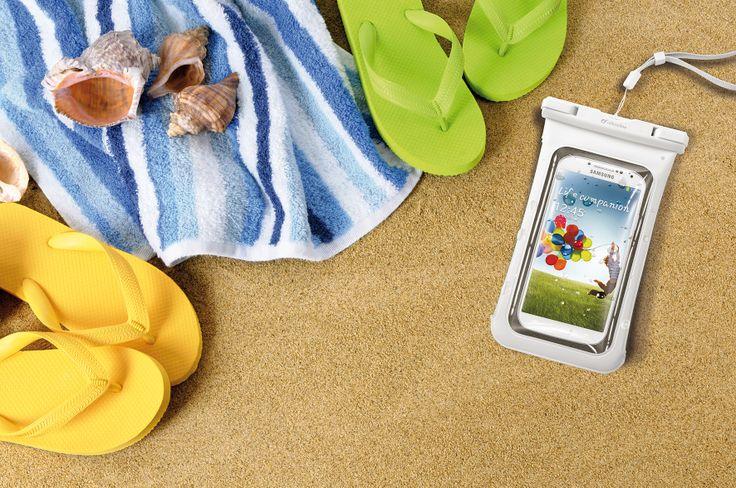 Goditi la sabbia calda e i bagni in acqua senza temere di rovinare il tuo #smartphone con VOYAGER!  #waterproof #dustproof