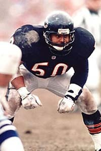 mike-singletary forgotten great player when  middle linebackers are discussed.