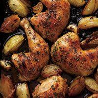 Cuisses de poulet rôties à l'oignon et à l'ail