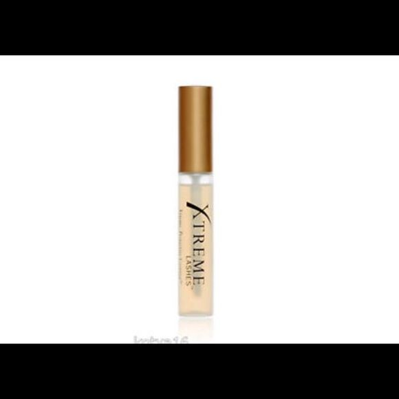 "XTREME LASHES PROTECTIVE COATING, LASH EXTENSIONS XTREME LASHES PROTECTIVE COATING FOR LASH EXTENSIONS. HELPS PROMOTE LONGER LIFE TO YOUR EYE LASH EXTENSIONS. "" APPLIED TO EYE LID"". USED 75% FULL, SEE PHOTO. SANITIZED AND READY FOR USE. PRICED ACCORDINGLY Xtreme Lashes  Makeup False Eyelashes"