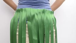 Make a Hawaiian Grass Skirt out of Party Streamers Step 11 preview.jpg