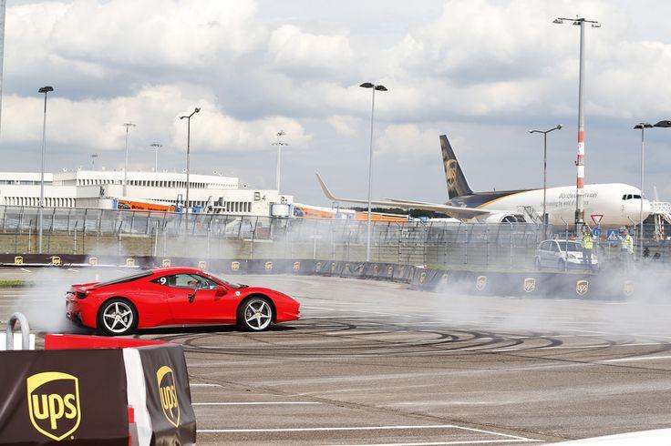Sebastian Vettel am Kölner Flughafen