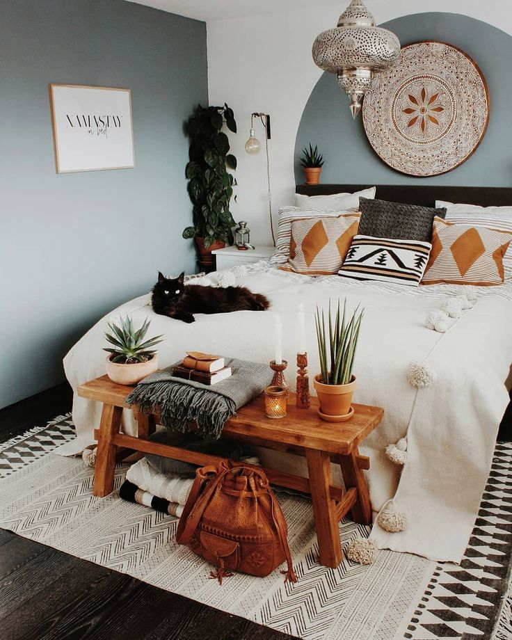 This Bohemian room is amazing 😍 Get your Moroccan Leather bag on Stay Boho 👈  #bohostyle #boholiving #bohovibes #bohosoul