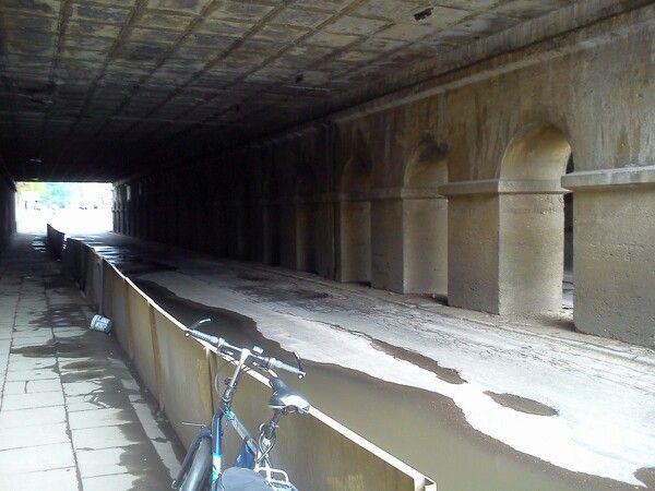 Ostatni przejazd pod wiaduktem na ul. Tramwajowej