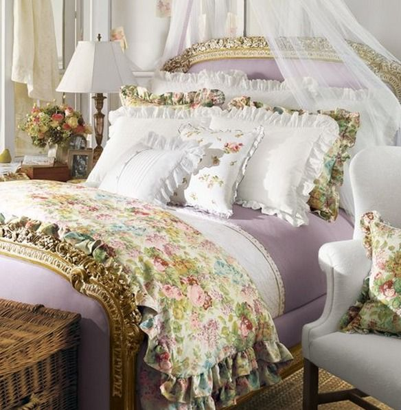 Vintage chic vintage ornate headboard design aesthetic for Pictures of beautiful guest bedrooms