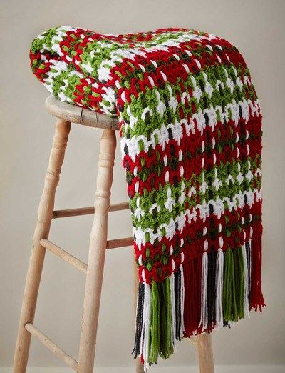 Christmas Plaid Afghan free crochet pattern - Free Crochet Christmas Blanket Patterns - The lavender CHair