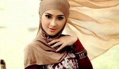 Tips Cara Memadukan Warna Jilbab Sesuai Warna Kulit Tubuh Agar Tampak Cantik- - -Menggunakan jilbab tidak semua wanita cocok dalam memakai jilbab, alasanya adalah warna jilbab dengan warna kulit tubuhnya tidak cocok sehingga jilbab yang wanita gunakan akan terlihat kusam dan jelek. Fashion Style disini