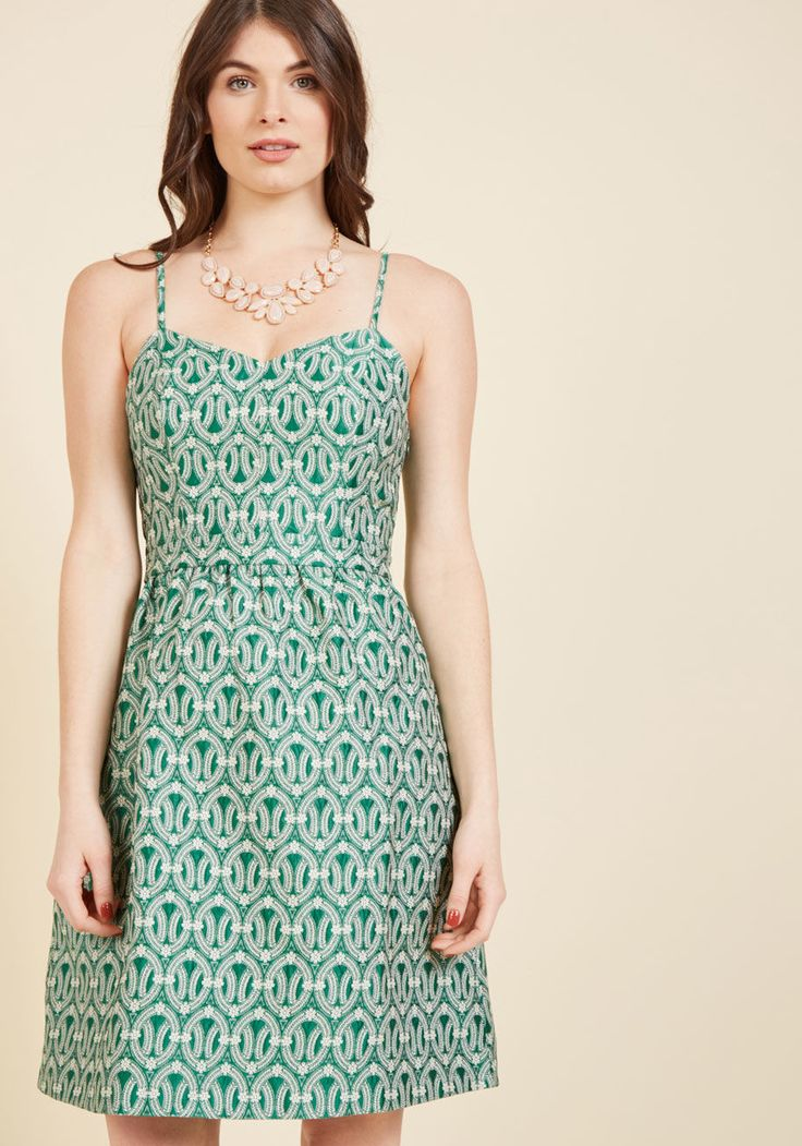 <p>A gala in Glasgow, cocktails in Copenhagen, film screenings in Shanghai - with a luxe social calendar like yours, this jacquard fit and flare becomes as essential as your passport! Detailed with a brilliant green hue and ivory floral medallions, this ModCloth-exclusive midi is certain to win the world over.</p>