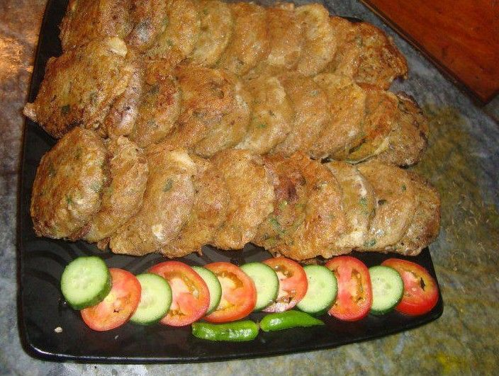 Typical Pakistani Food : Beef Shami kababs with salad -  Pakistani Dishes