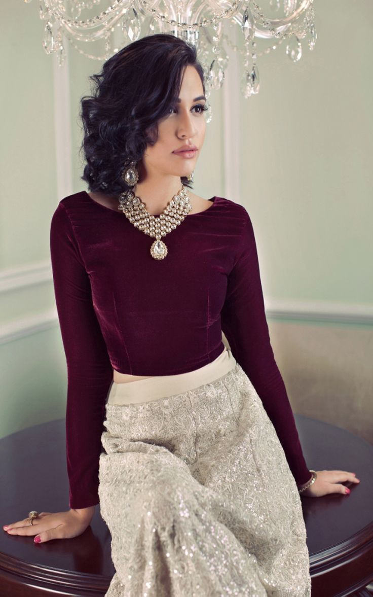 Truly dig the whole plain top thing, especially with velvet