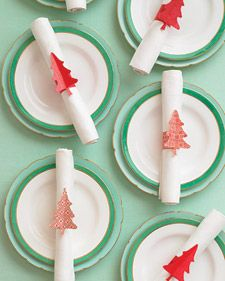 Using our clever clip art and templates, create one or more of these Christmas crafts and decorations that are sure to get your loved ones in the holiday mood.: Holiday, Idea, Napkin Rings, Napkinrings, Napkins, Table Setting, Tree Shaped Napkin, Christmas Table, Christmas Trees
