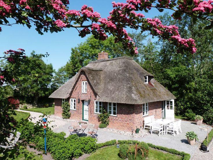 Altes Schleusenhaus Katharinenheerd  - Überall auf dem großzügigen Grundstück finden sich sonnige Plätzchen