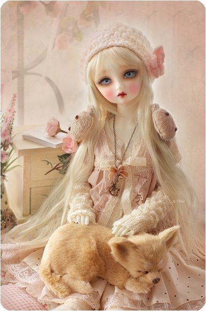 I think she is just beautiful. Love her outfit and surroundings. | Dolls | Pinterest | Bjd, Dolls and Fairy