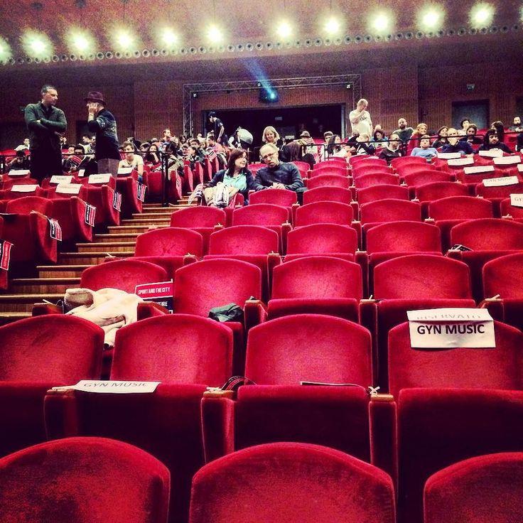 Ok stanno per arrivare 700 persone a riempire questa sala. Gran bel pubblico!!!  E tra poco tocca a me... Emozionata  #sportandthecity #milano #convention #coaching #sport #imprenditorialità #femminile #retealfemminile #retealfemminilemilano #natasciapane