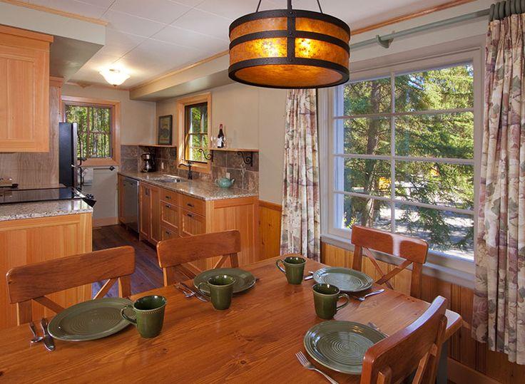 Small galley kitchen jasper cabin rentals jasper national for Jasper luxury cabins