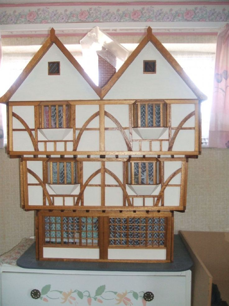 For Sale - Beautful craftsman built 1/12 scale Tudor Dolls house complete with contents - The Dolls House Exchange